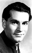 Olivier Framed Prints - Laurence Olivier, Ca. 1946 Framed Print by Everett