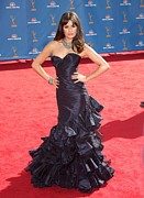 Strapless Dress Photo Framed Prints - Lea Michele Wearing An Oscar De La Framed Print by Everett