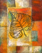 Organic Paintings - Leaf Whisper 4 by Leon Zernitsky
