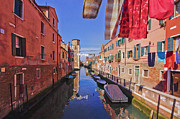 Venedig Photos - Left Hanging High to Dry by Andy Bitterer