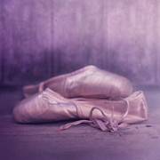 Stilllife Photos - Les chaussures de la danseue by Priska Wettstein