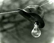 Improvise Prints - Lightbulb Print by Emanuel Tanjala