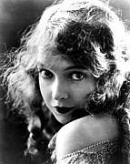 Publicity Shot Photos - Lillian Gish, Ca. Late Teens by Everett