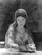 Story-1920s Photos - Lillian Gish In Romola, 1924 by Everett