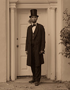 Military Pictures Prints - Lincoln Leaving a Building Print by Ray Downing