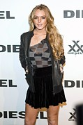 Gray Jacket Prints - Lindsay Lohan At Arrivals For Diesel Print by Everett