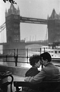 Mid Adult Framed Prints - London Lovers Framed Print by Kurt Hutton