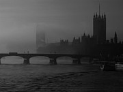 Londres Photo Originals - London under morning fog black and white by Hedge