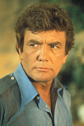 1981 Photo Framed Prints - Looker, Albert Finney, 1981 Framed Print by Everett