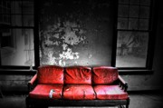 Abandoned Houses Photos - Love Seat by Emily Stauring