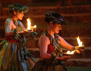 Dance Photography Prints - Luau On Oaha Print by Bob Christopher