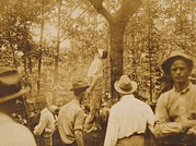 Crimes Photo Prints - Lynching Of Leo Frank 1884-1915 Print by Everett