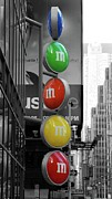 M And Ms In New York City Print by Angie Tirado