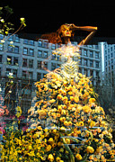 Ny Mixed Media - Macys Yellow Rose Woman by adSpice Studios
