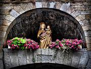 Joan  Minchak - Madonna and Child Arch