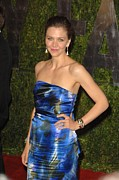 Strapless Dress Prints - Maggie Gyllenhaal Wearing A Dries Van Print by Everett