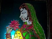 Queen Glass Art - Maharani by Sarika Hemane