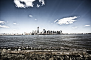 Manhattan Print by Leslie Leda