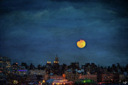 Moonrise Prints - Manhattan Moonrise Print by Chris Lord
