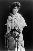 Philanthropist Framed Prints - MARGARET MOLLY BROWN (1867-1932). The Unsinkable Molly Brown. American socialite, philanthropist, activist, and survivor of the Titanic. Photographed c1900 Framed Print by Granger