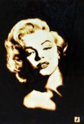 Actors Pyrography Framed Prints - Marilyn Framed Print by Ilaria Andreucci