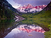 14000 Feet Prints - Maroon Bells Morning Magenta Print by Paul Gana