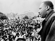 African-americans Photo Framed Prints - Martin Luther King Addresses Selma Framed Print by Everett