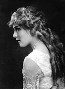 Story-hairstyles Posters - Mary Pickford, C. 1918 Poster by Everett