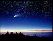 Nasa Ir Facility Framed Prints - Mauna Kea Observatory & Comet Hale-bopp Framed Print by David Nunuk