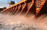 Pacific Northwest Rivers Framed Prints - Mcnary Dam Framed Print by DOE/Science Source