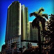 Midtown Art - #miami #mia #midtown #building #edificio by Juan C Zulueta