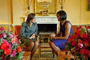 Michelle Obama Framed Prints - Michelle Obama Greets Mrs. Margarita Framed Print by Everett