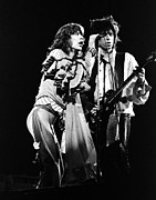 Keith Richards Photo Framed Prints - Mick Jagger and Keith Richards 1976 Framed Print by Chris Walter