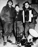 Mickey Rooney Center, Entertains Troops Print by Everett