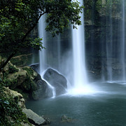 Carolyn Brown and Photo Researchers - Misol-Ha Waterfall
