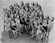 Group Portraits Framed Prints - Miss America Contestants Huddle Framed Print by Everett