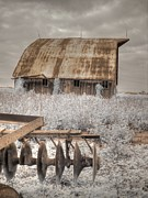 St. Charles Art - Missouri Barn by Jane Linders