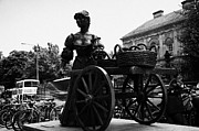 Molly Prints - Molly Malone Statue In Dublin City Centre Ireland Print by Joe Fox