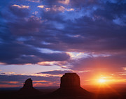 Dennis Flaherty and Photo Researchers - Monument Valley