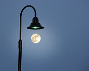 Moon Lighting Print by Tom McCarthy