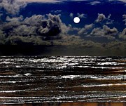 Full Moon Art - Moon Over The Pacific by Will Borden