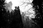 Yosemite Village Prints - Mountains of Yosemite . 7D6213 . Black and White Print by Wingsdomain Art and Photography
