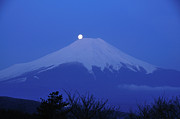 Fuji Framed Prints - Mt.fuji And Moon Kiss Framed Print by Takeshi.K