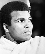 Afro Photos - MUHAMMED ALI (b. 1942) by Granger