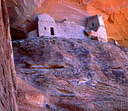 Chinle Prints - Mummy Ruin Canyon de Chelly Print by Bob Christopher