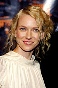 Naomi Framed Prints - Naomi Watts At Arrivals For King Kong Framed Print by Everett