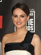 Natalie Portman Prints - Natalie Portman At Arrivals For 16th Print by Everett