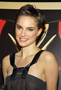 Gregorio Binuya Photo Framed Prints - Natalie Portman At Arrivals For V For Framed Print by Everett