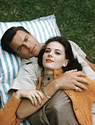Arm Around Shoulder Posters - Natalie Wood And Robert Wagner, Late Poster by Everett