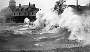 Natural Disaster Photos - New England Hurricane, 1938 by Science Source
